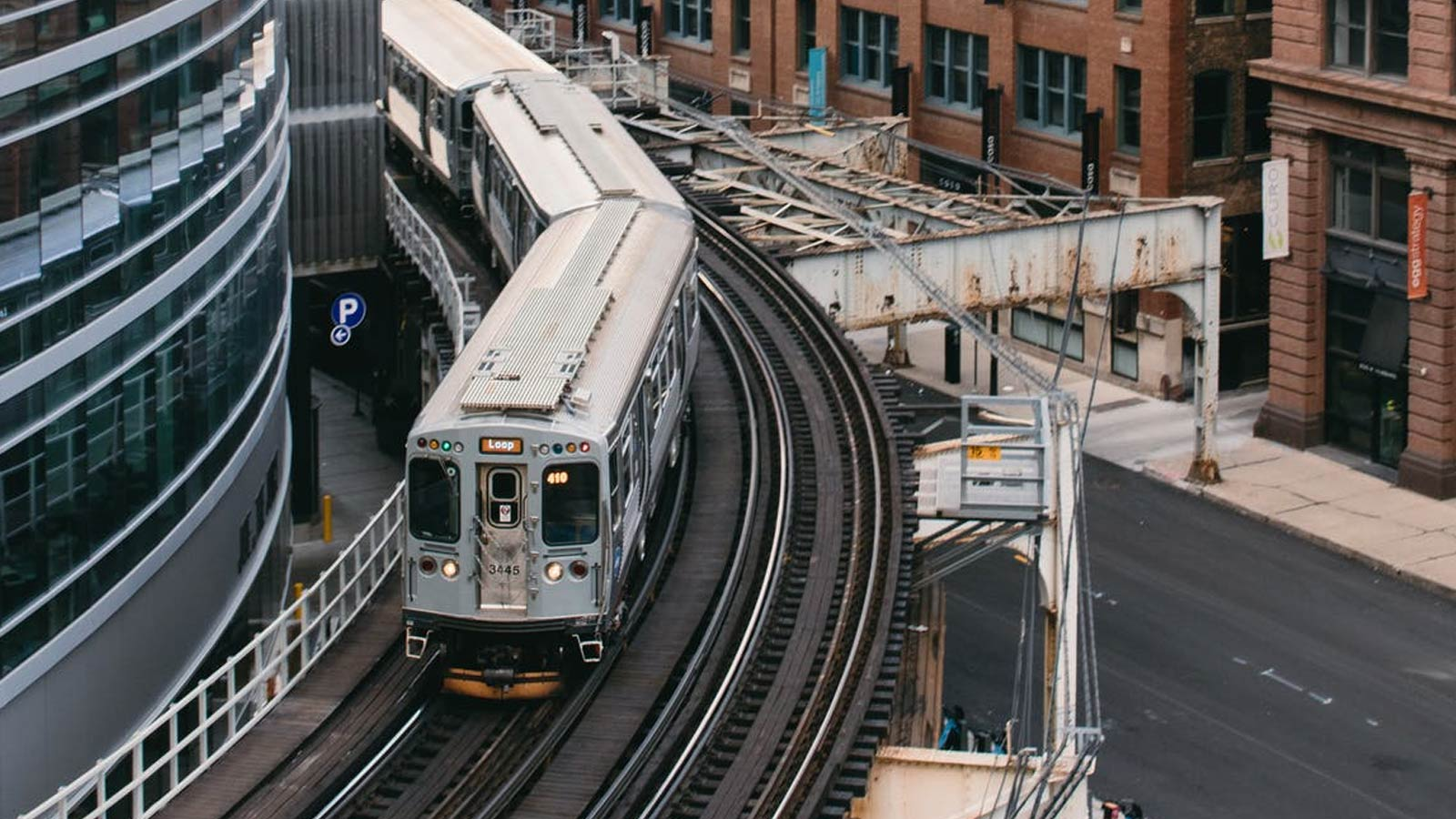 Getting Around: 4 Tips To Master Chicago Transportation